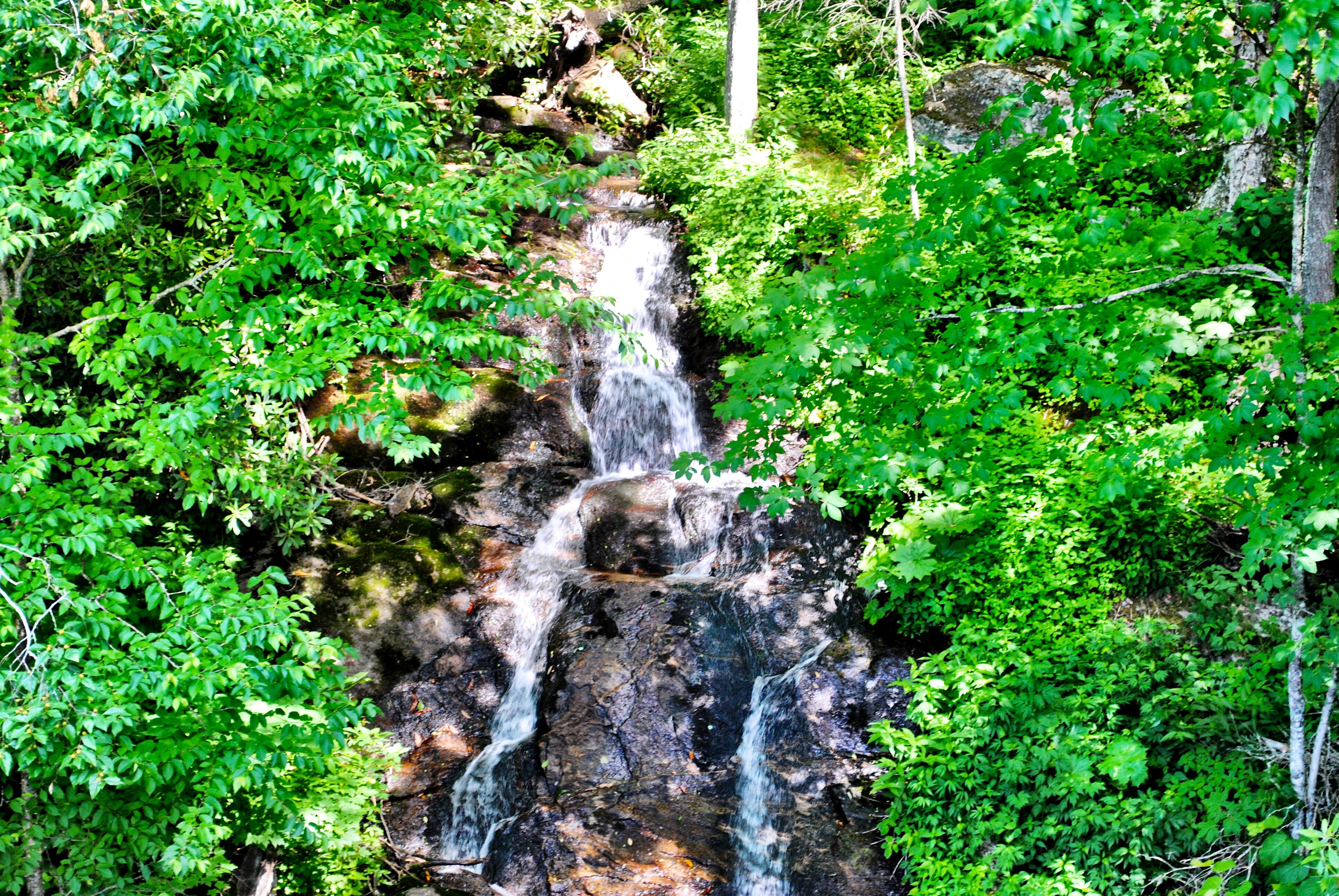 North-Carolina-Blue-Ridge-Parkway-Woodfin-Cascades