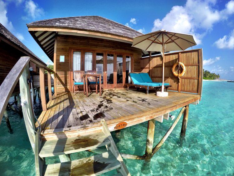Veligandu-Maldives-Overwater-Bungalow
