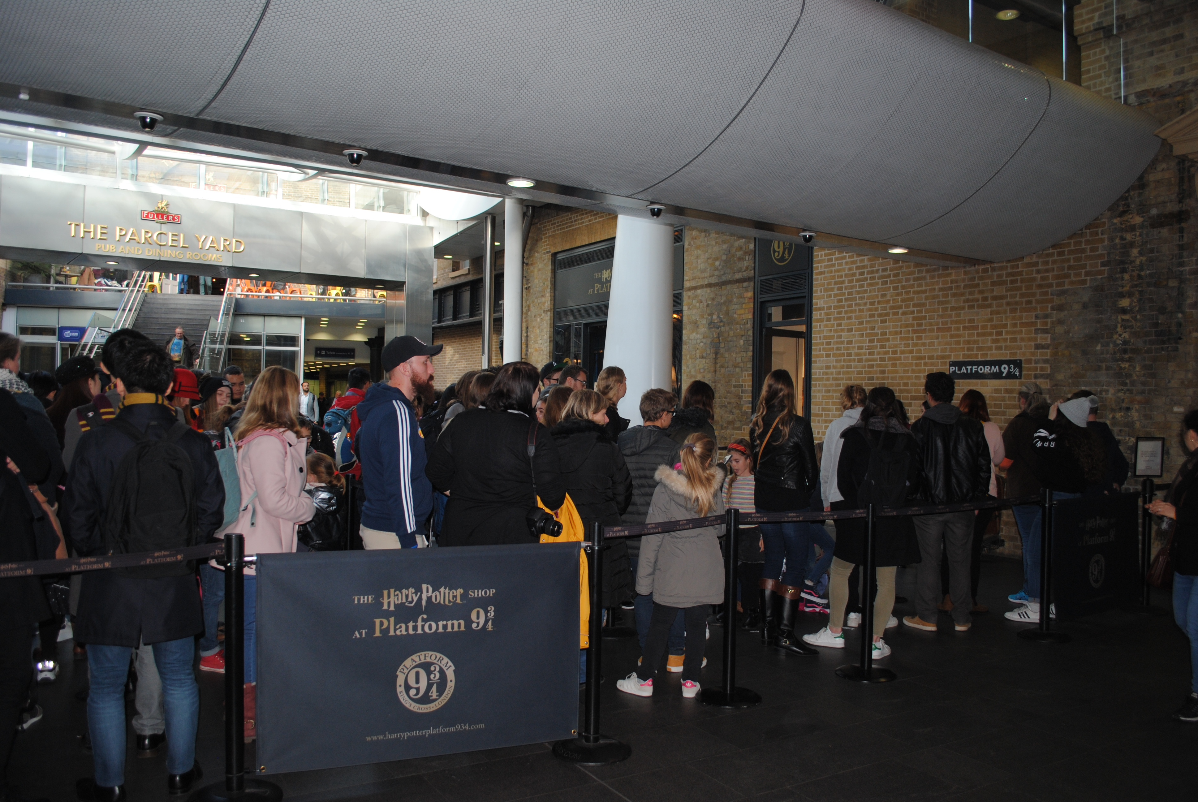 Visit Platform 9 3/4 in London