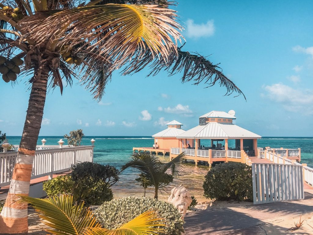 Mimi's Dock Bar, Grand Cayman