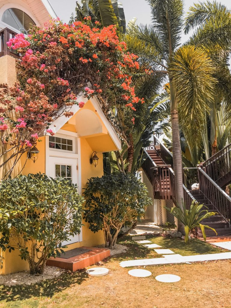 Shangri-La Bed and Breakfast in Grand Cayman