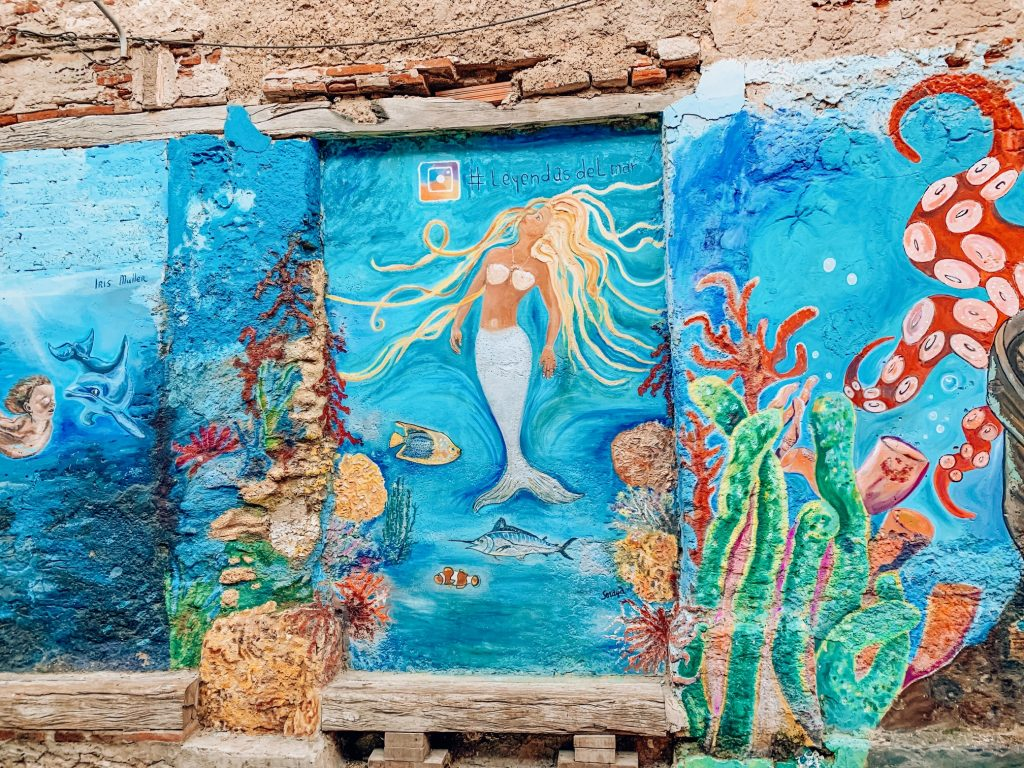 Mermaid mural in Getsemani neighborhood, Cartagena, Colombia