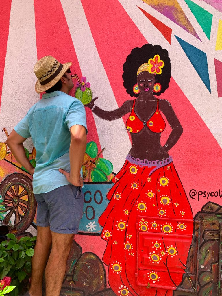 Having fun with the murals in Cartagena